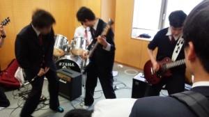 軽音楽部:新入生歓迎ライブ
