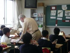 ダニエル先生の授業が始まりました