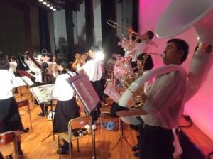 チューバは音が飛ばないので、スーザフォンで演奏しました!(でも重~いなぁ)