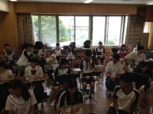 オープンキャンパス中学生の合奏参加!