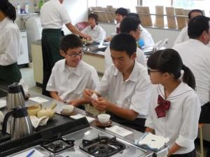 中1生徒が静岡茶講座を受講しました