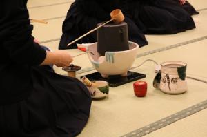 茶道部 初釜の練習が始まっています
