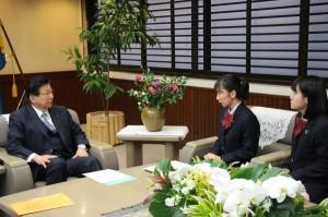 本校生徒が静岡県知事に気候危機への取り組みの要望書を提出