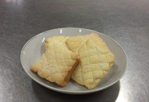 食パンで作ったメロンパン!  簡単ですがとても美味しく出来ました♪